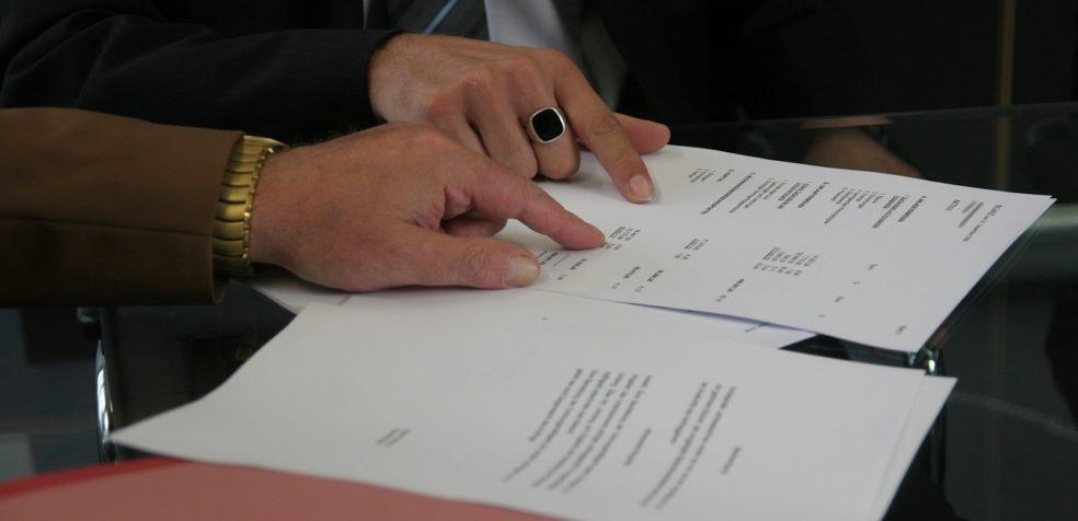 Umowa tłumaczenia – zlecenie czy dzieło